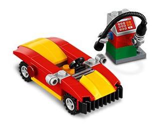 LEGO 40277 Monthly Mini Model 2018 February Car and Petrol Puimp Polybag